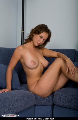 Veronika I - sexy topless wonderful woman pic