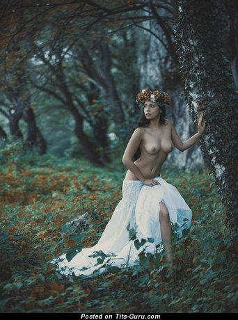 Изображение. Изображение восхитительной обнажённой женщины