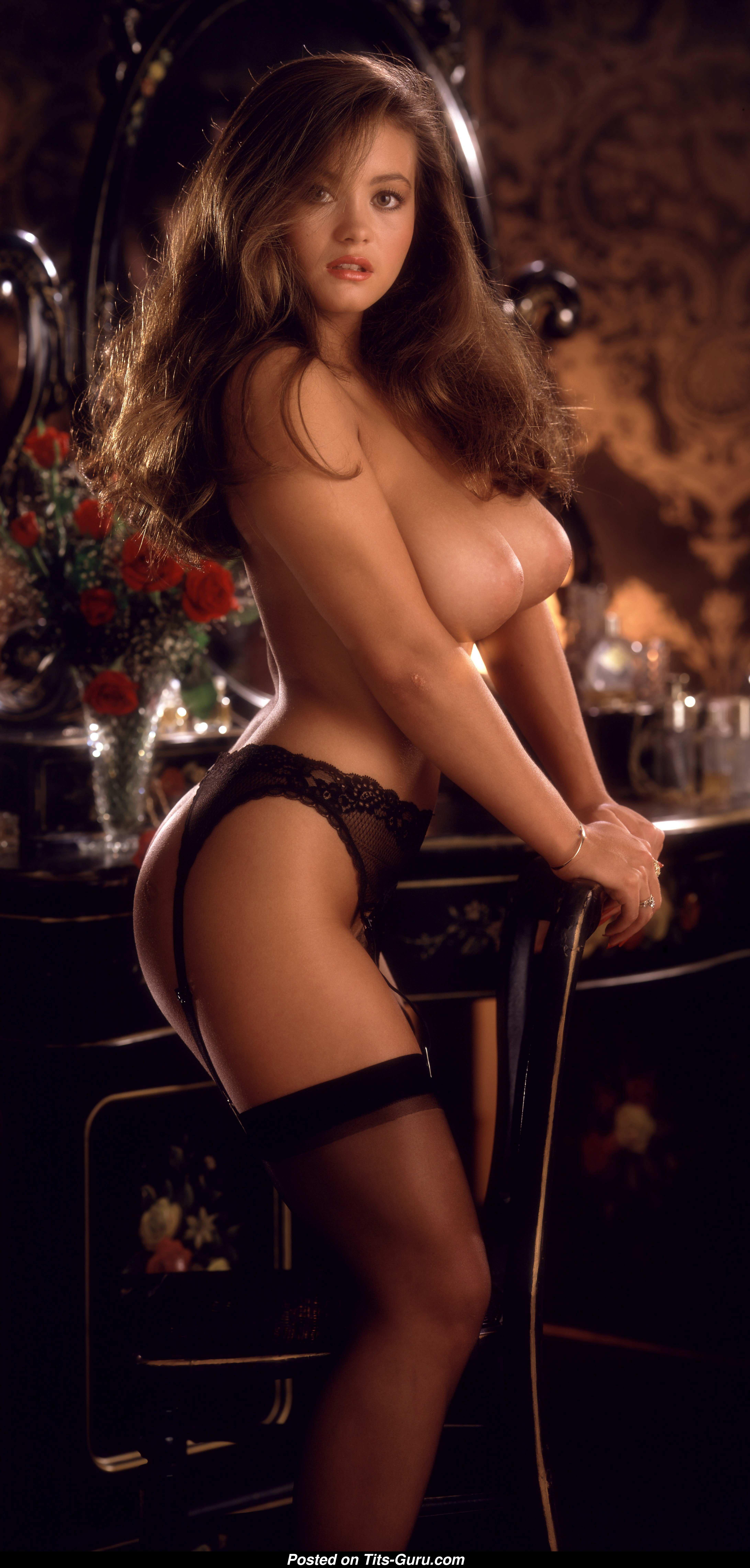 Alana Soares - Playboy Brunette Babe With Naked Average -6014