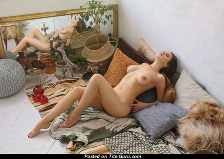 Charming Babe with Charming Bare Real Tittes (Hd 18+ Pic)