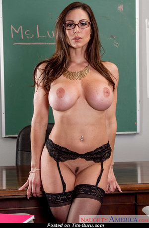 Kendra Lust - sexy topless brunette with big fake boobs picture