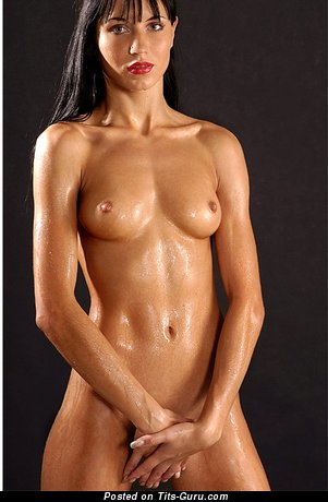 Beautiful Moll with Beautiful Nude Natural Medium Breasts (Xxx Pic)
