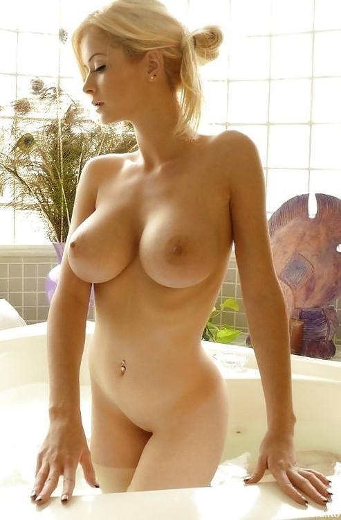 Сиськи, грудь, большие.