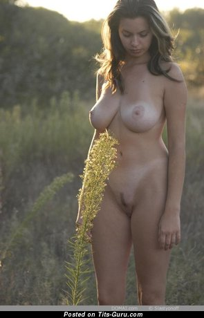 Image. Gigi - naked awesome female with medium natural boobs pic