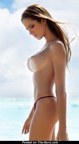 Roberta Murgo - Nice Bimbo with Nice Bald Average Tits on the Beach (Hd Xxx Wallpaper)