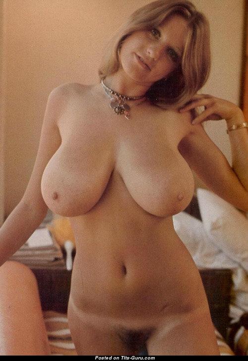 Roberta Pedon - Nude smuk pige med Big Natural Boobs-3481