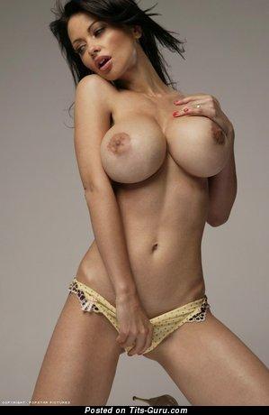 Изображение. Veronica Zemanova - фото обалденной раздетой девахи с огромной силиконовой грудью