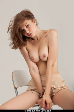 Image. Naked beautiful lady with medium natural tittys picture