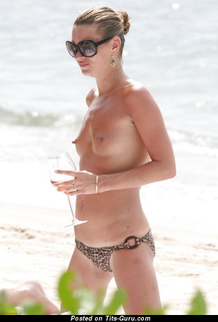 Stunning Wet Dame with Stunning Defenseless Real A Size Tittes (Private Hd Sexual Picture)