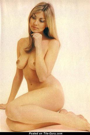 Image. Gillian Duxbury - nude wonderful woman with medium natural boobs picture