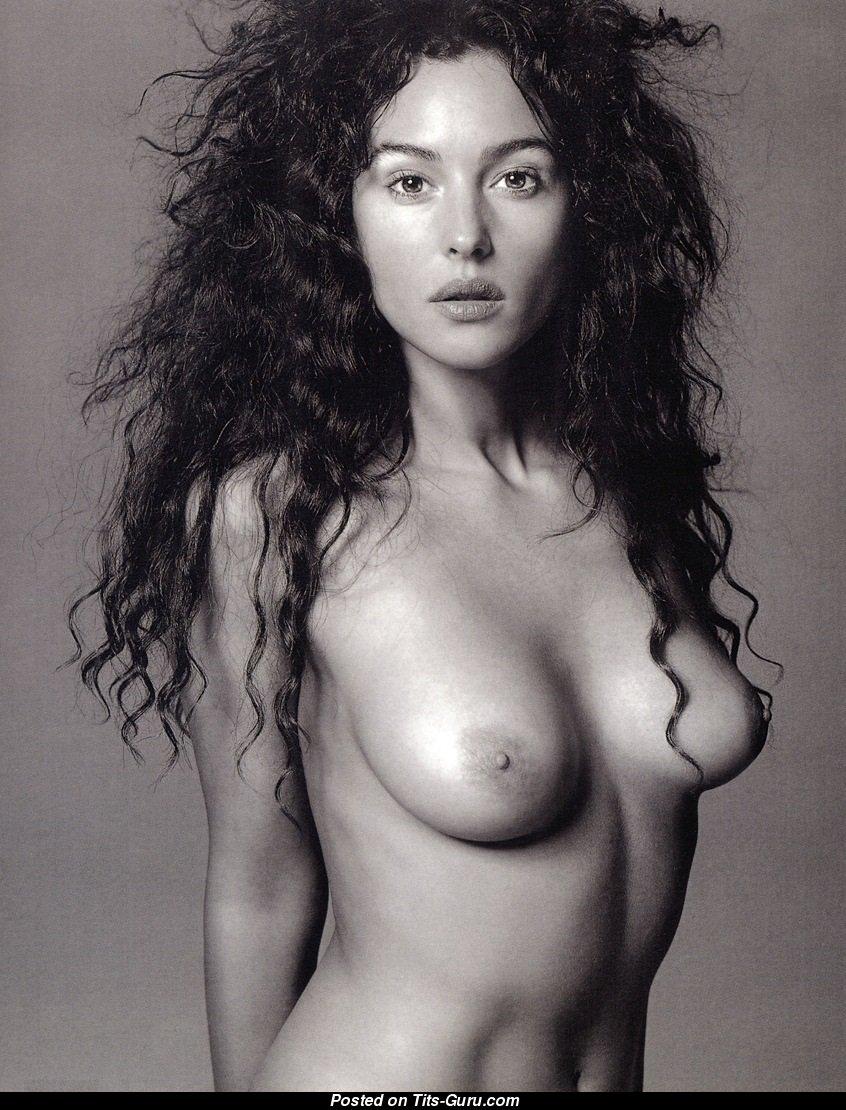 monica-bellucci-free-nude-asian-doctor-girl