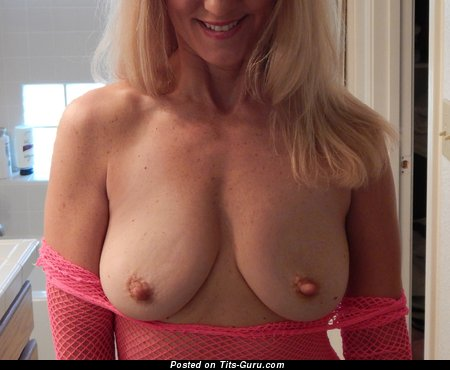 Image. Blondedmilf - topless blonde with medium natural tittes and big nipples pic