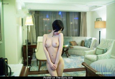 Изображение. Lina - фотка умопомрачительной раздетой азиатки с большими натуральными сиськами