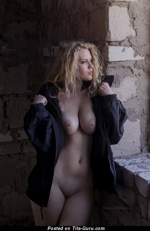 Image. Naked blonde with big natural tittys pic