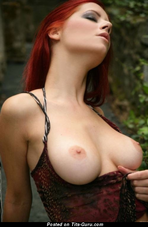 Ariel Piper Fawn - Sexy Topless Czech Red Hair Babe with Sexy Bare Real Regular Boobies (Xxx Photoshoot)