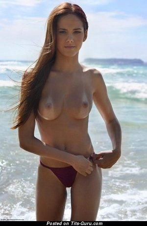 Изображение. Roberta Murgo - изображение шикарной раздетой блондинки с средними дойками