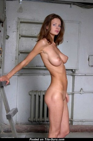 Adorable Nude Red Hair Housewife (Private Sex Photo)