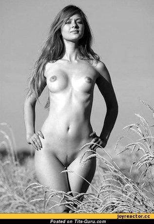 Image. Nude beautiful lady with medium tits image