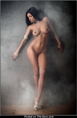 Image. Nude amazing female with medium tittys pic