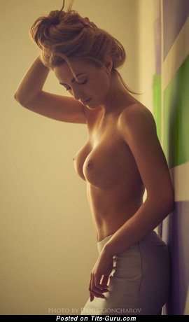 Image. Nude nice lady with medium breast pic