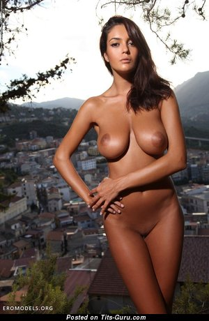 Image. Ela Savanas - naked amazing female with big natural tittes photo