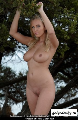 Magnificent Babe with Magnificent Nude Natural Regular Boobys (Sex Photo)