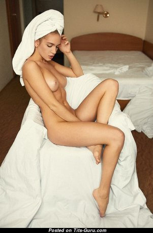 Fia Meos - Cute Naked Blonde (Xxx Picture)
