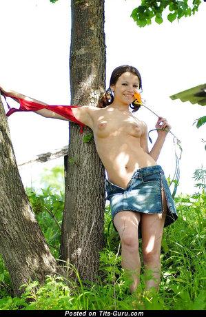 Alluring Undressed Skirt (Hd Sex Foto)