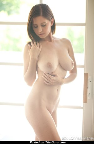 Image. Crissy Marie - naked beautiful girl with medium natural tittes picture