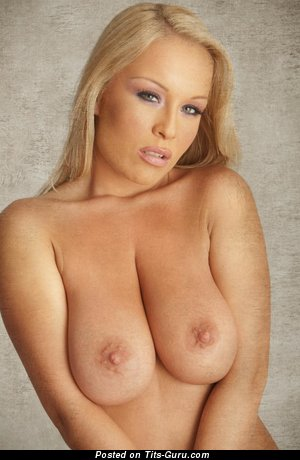 Akissa: naked blonde with medium natural tittes image
