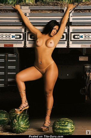 Andressa Soares - sexy nude amazing female image