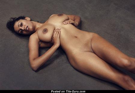 Naked latina with medium natural tots pic
