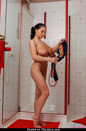 Image. Axana Shyker - naked nice woman photo