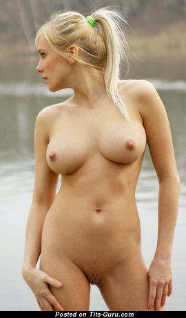 Image. Yanina - naked beautiful woman photo