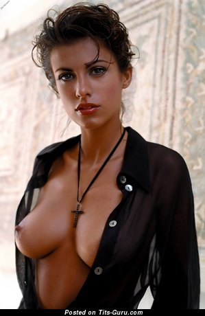 Elisabetta Canalis - sexy naked brunette with medium natural tittes photo