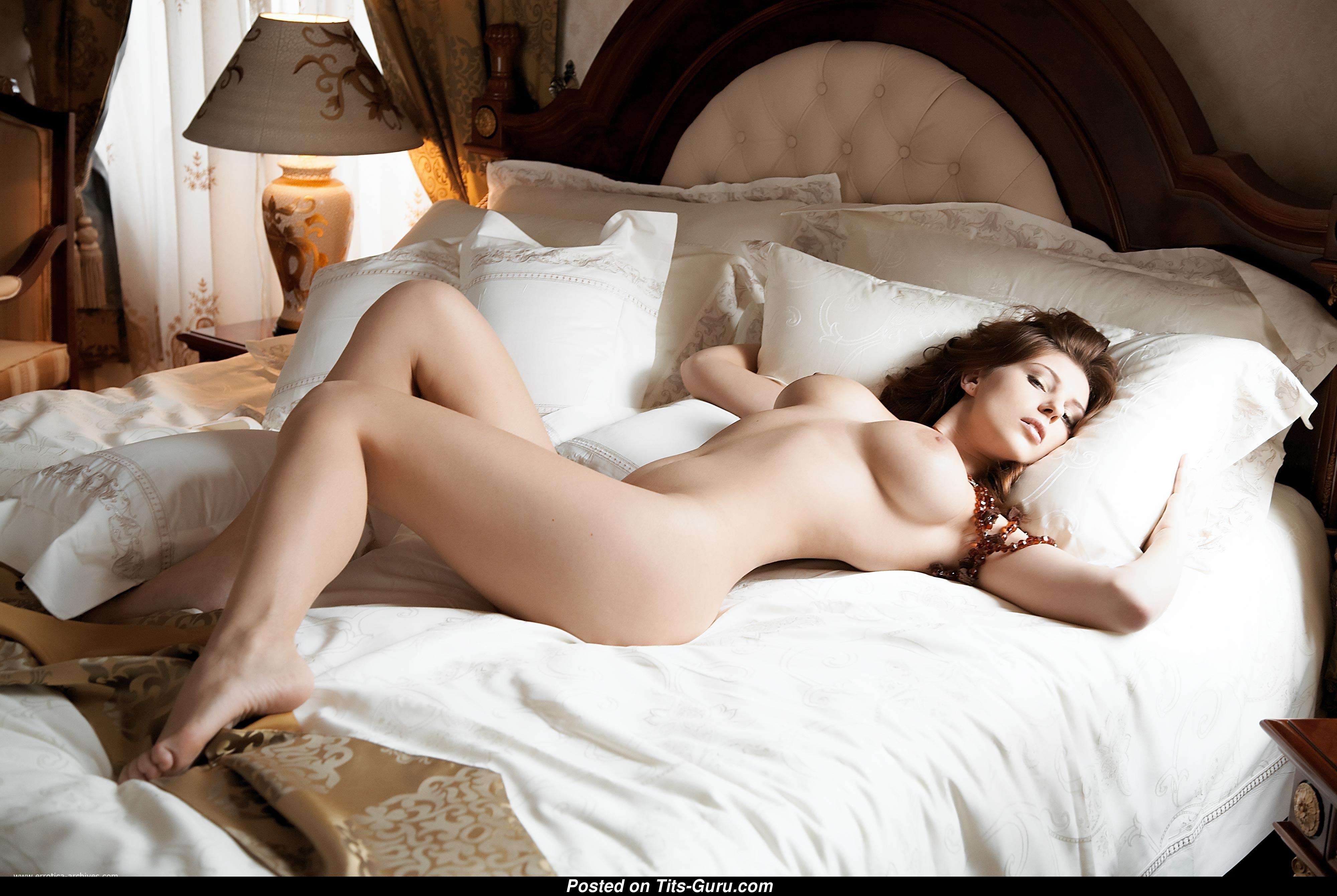 Красивые сексуальные девушки интимные фото видео