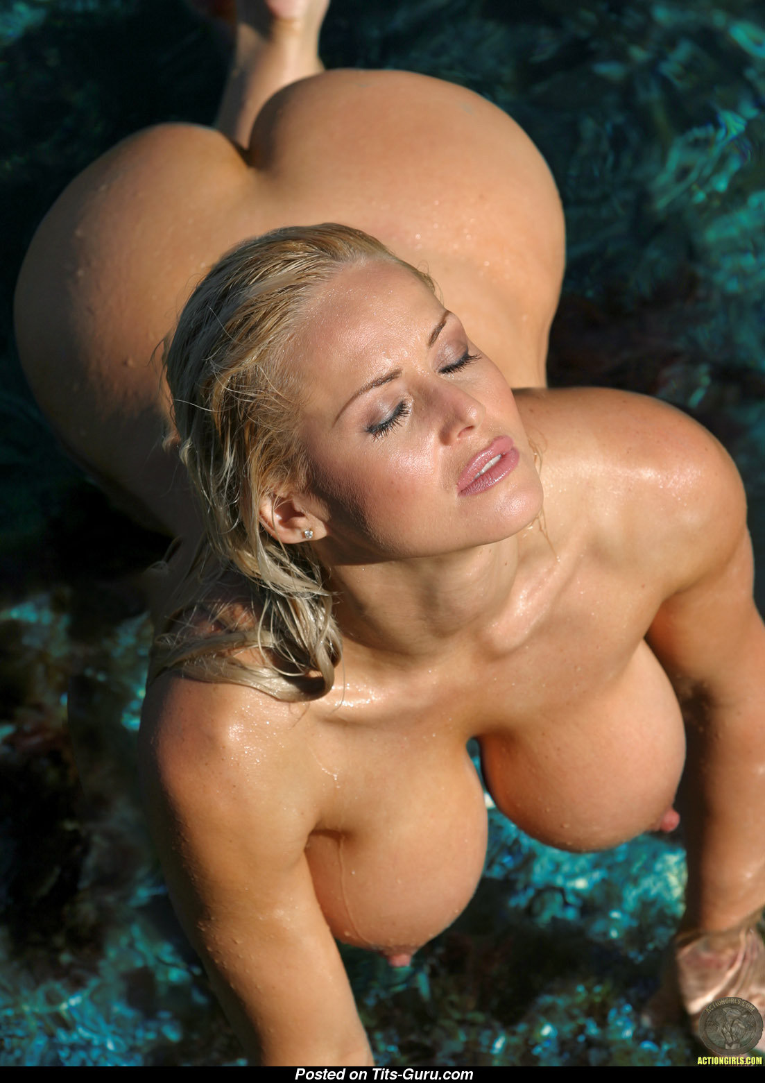 Women naked wet big nipples