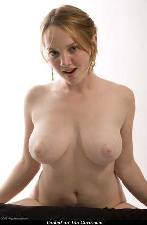 Image. Maya - naked wonderful woman with medium natural boob pic