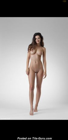 Wonderful Topless Babe (Hd Sex Pic)