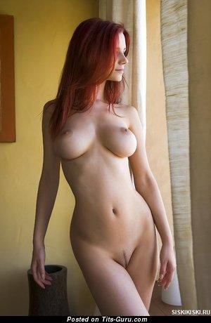 Image. Nude amazing girl with medium breast image