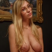 Amazing girl with big tittes pic
