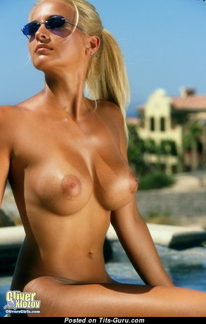 Heather Hanson - Nice American Blonde with Nice Naked Soft Boobie & Tan Lines (Sexual Photoshoot)