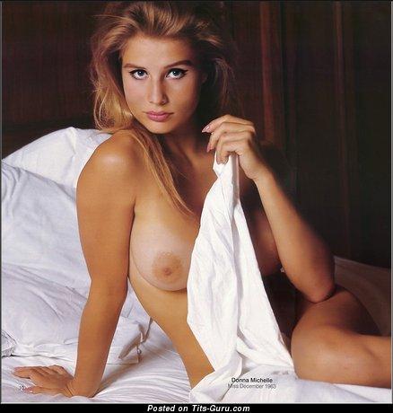 Donna Michelle - Splendid American Bimbo with Splendid Bare Sizable Chest (Porn Photoshoot)