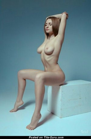 Image. Naked awesome lady with medium natural tits picture