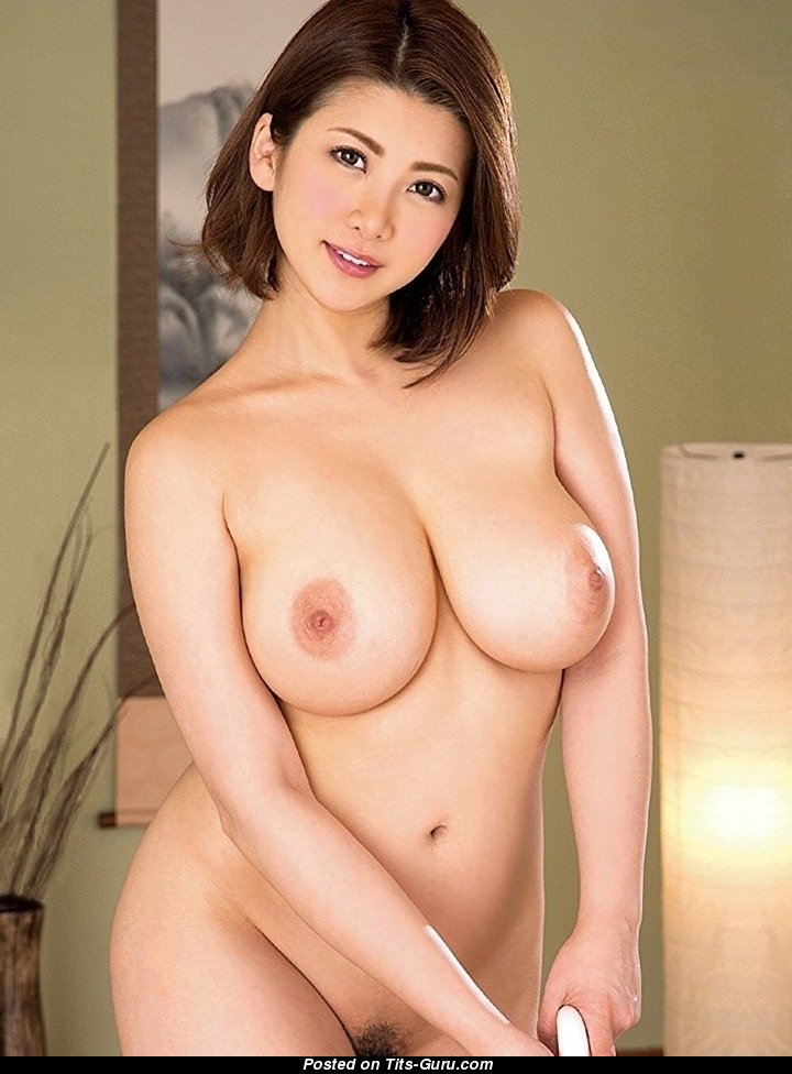 Asian Babe With Open Real Medium Sized Titties Porn Pic -7610
