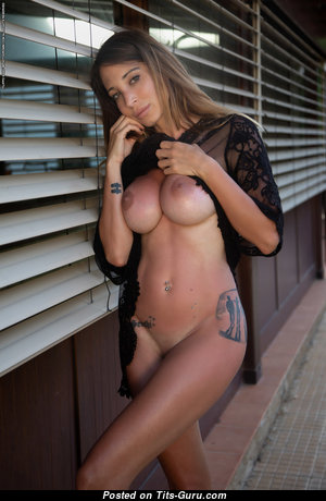 Cyrelle From Photodromm - Pretty Topless Doll with Pretty Open Fake Balloons (Hd Sex Foto)