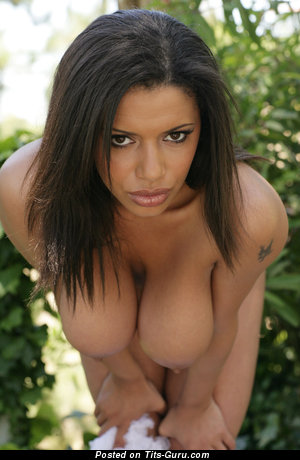 Alexis Groana - Amazing Ebony Gal with Amazing Open Real Mega Boobie (Hd Xxx Pix)