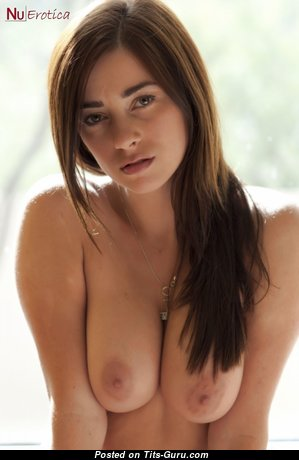 Elegant Glamour Babe with Elegant Defenseless Real Normal Breasts & Pointy Nipples (Hd Sexual Foto)