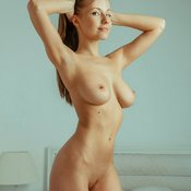 Sexy topless amateur beautiful girl picture