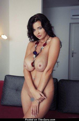 Image. Amateur naked hot female pic